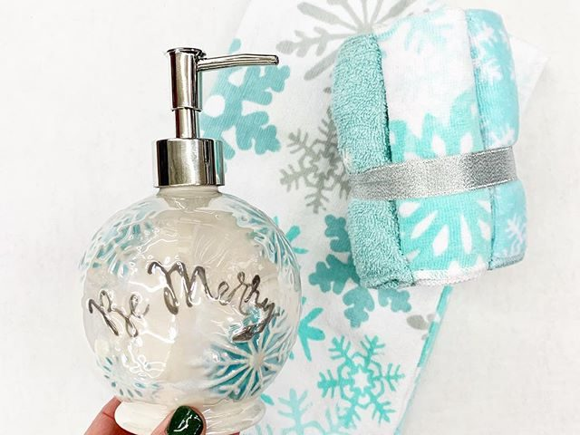 Snowflake Bathroom Accessories