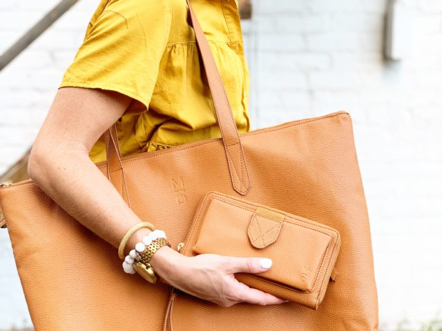 MOTILE Commuter Tote with Laptop Case
